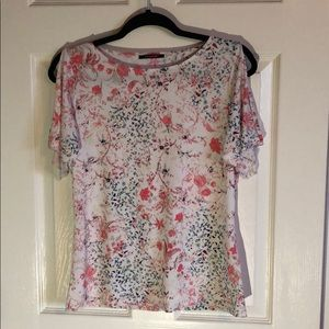 Tahari floral short sleeve top. Size small